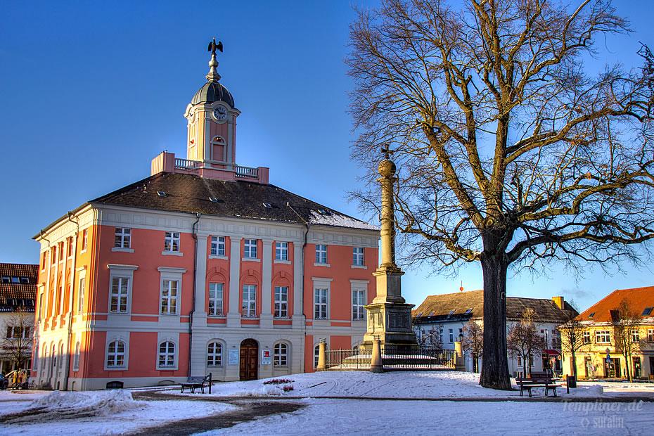 Historisches Rathaus Templin im Winter