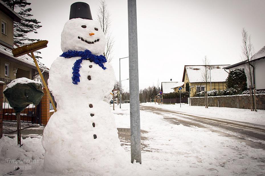 Wunderschöner Schneemann in der Schillerstrasse