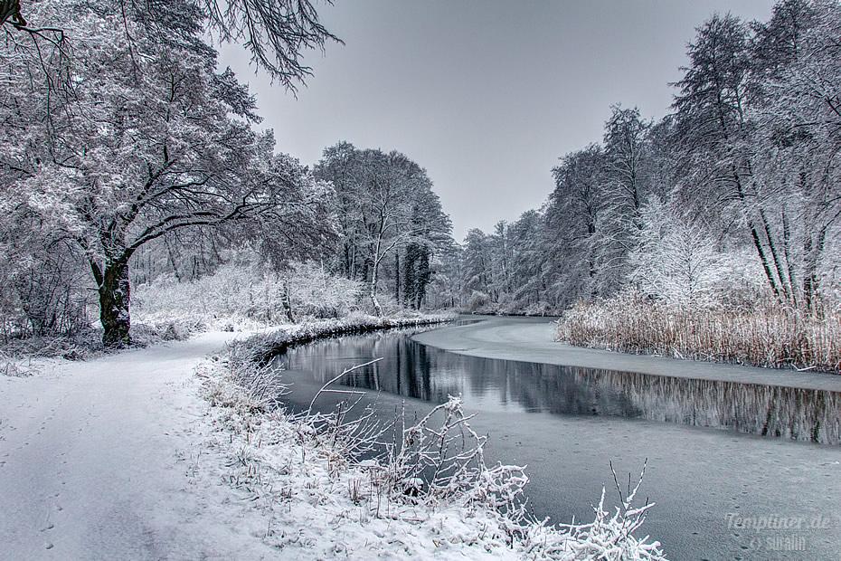 Winterlandschaft am Kanal in Templin (Richtung Ziegeleibrücke)