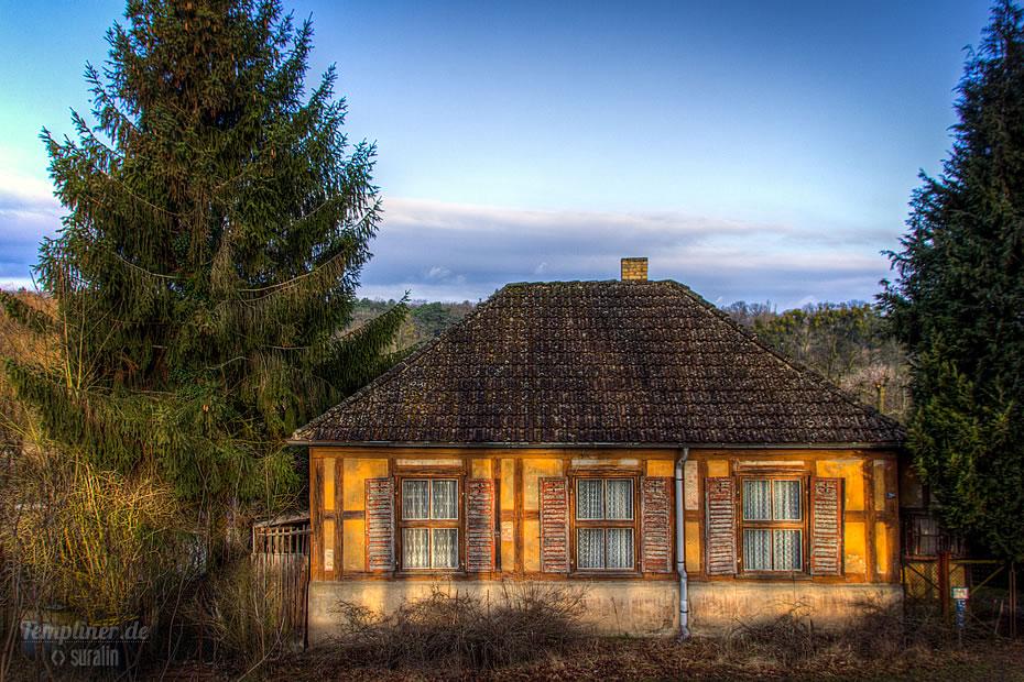 Ein alten Fachwerkhaus in der Bahnhofstraße