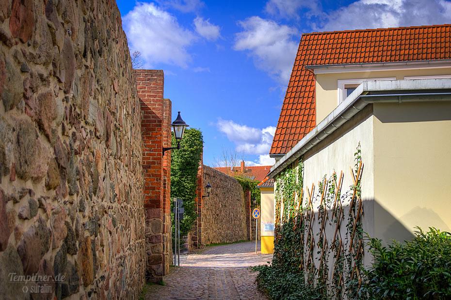 Stadtmauer Durchfahrt Puschkinstraße