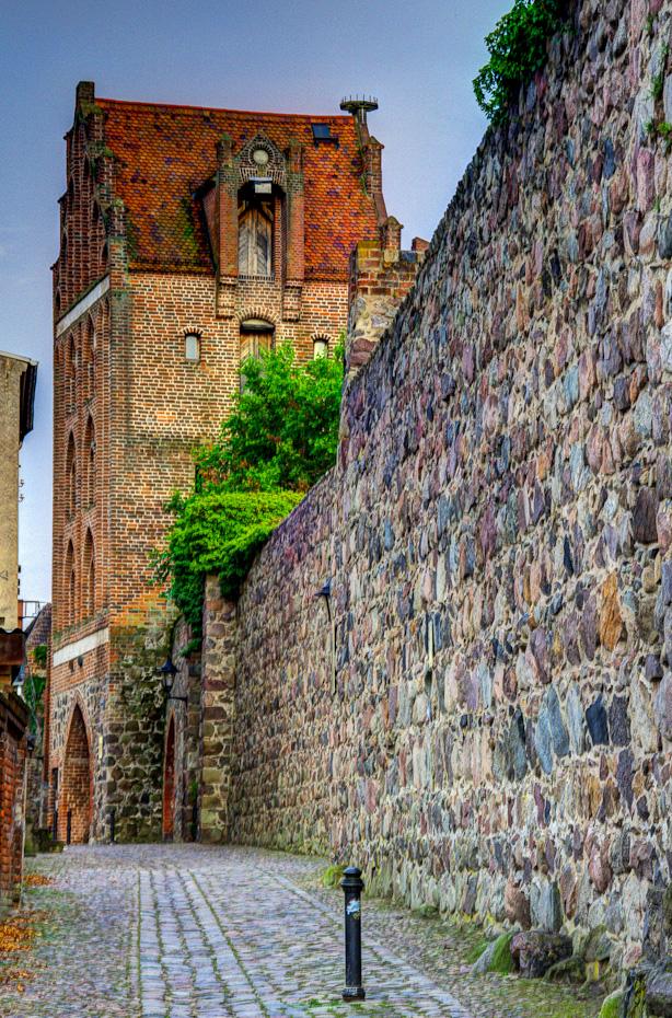 Berliner Tor und Stadtmauer