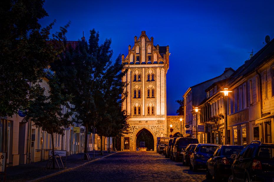 Berliner Tor in Templin bei Nacht